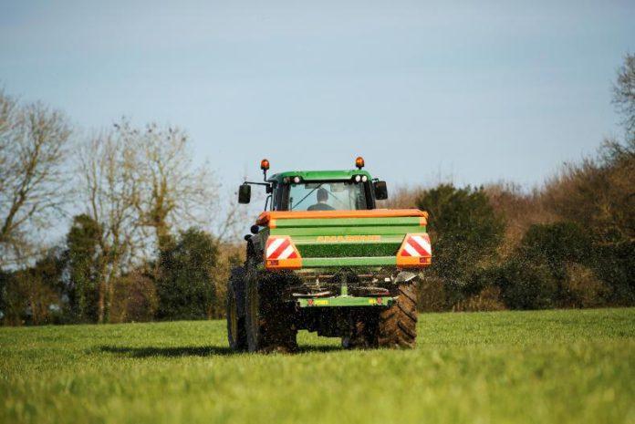 Fertiliser, grassland management, grass, grazing