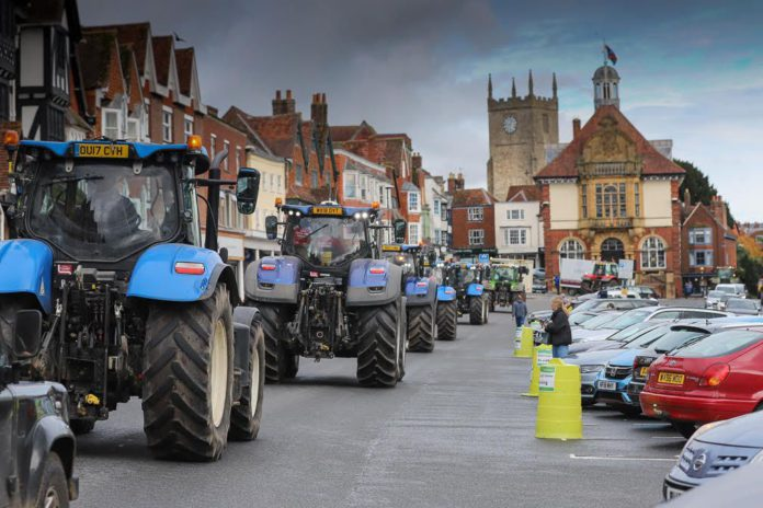 Tractor protest in UK