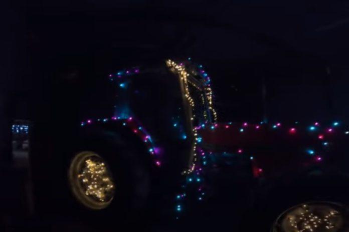 Farmer Phil, Christmas lights, Massey Ferguson, Christmas