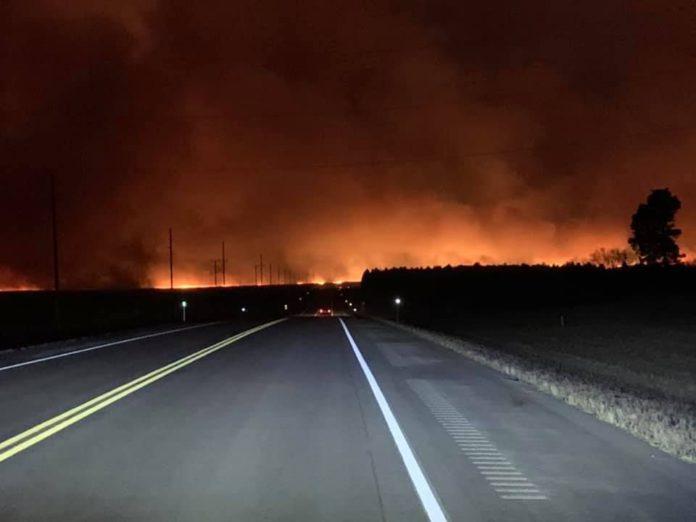 Fire, 10,000-acres burnt, blaze, grass fire