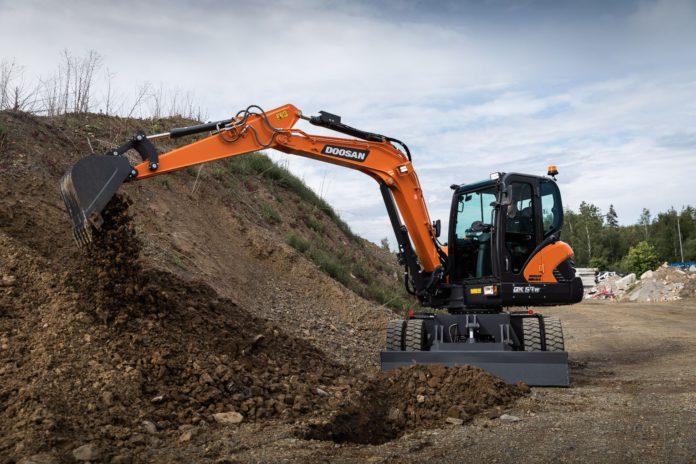 Doosan, DX57W-7 Stage V Wheeled Excavator, machinery
