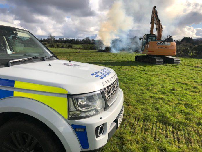 farm, hedge burning, burning, rubbish, hedges