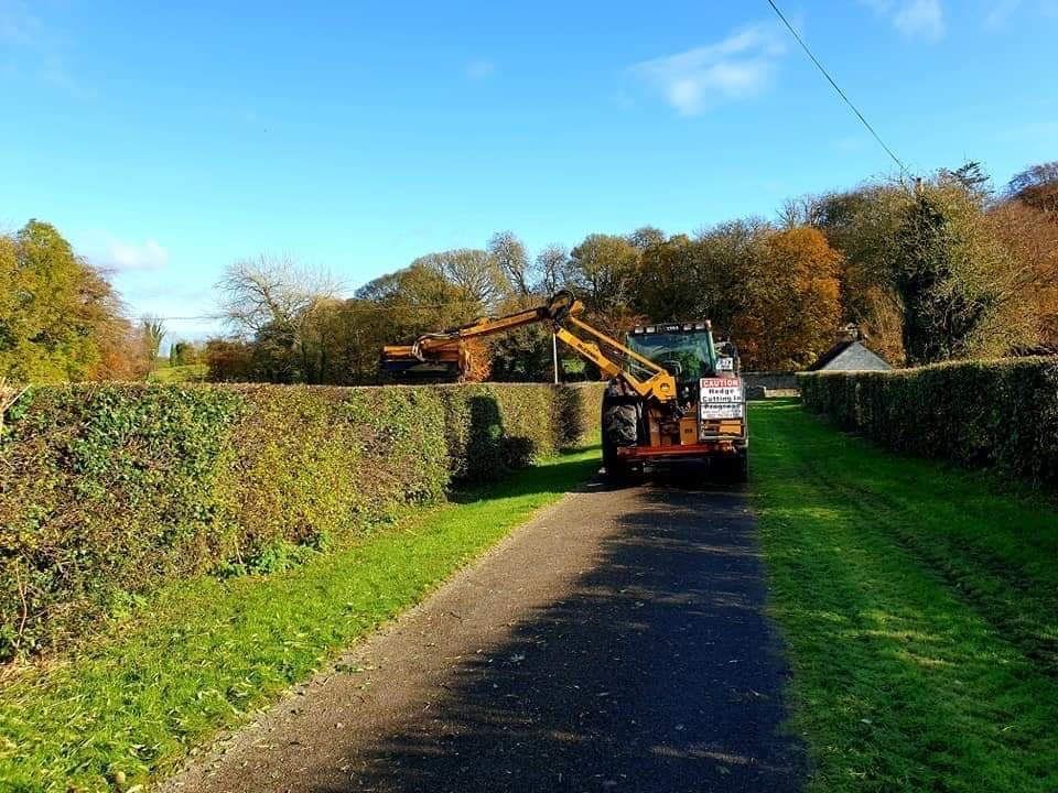 hedge-cutting, machinery, agricultural contractor, agricultural contracting