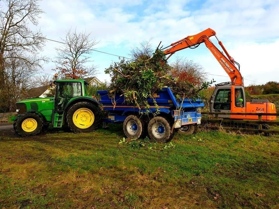 trailer, John Deere, digger, agricultural contracting in Ireland, agricultural contractors