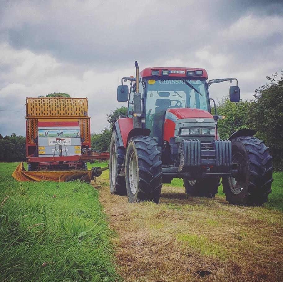 Agricultural contracting, grassland management, zero-grazing, zero-grazer
