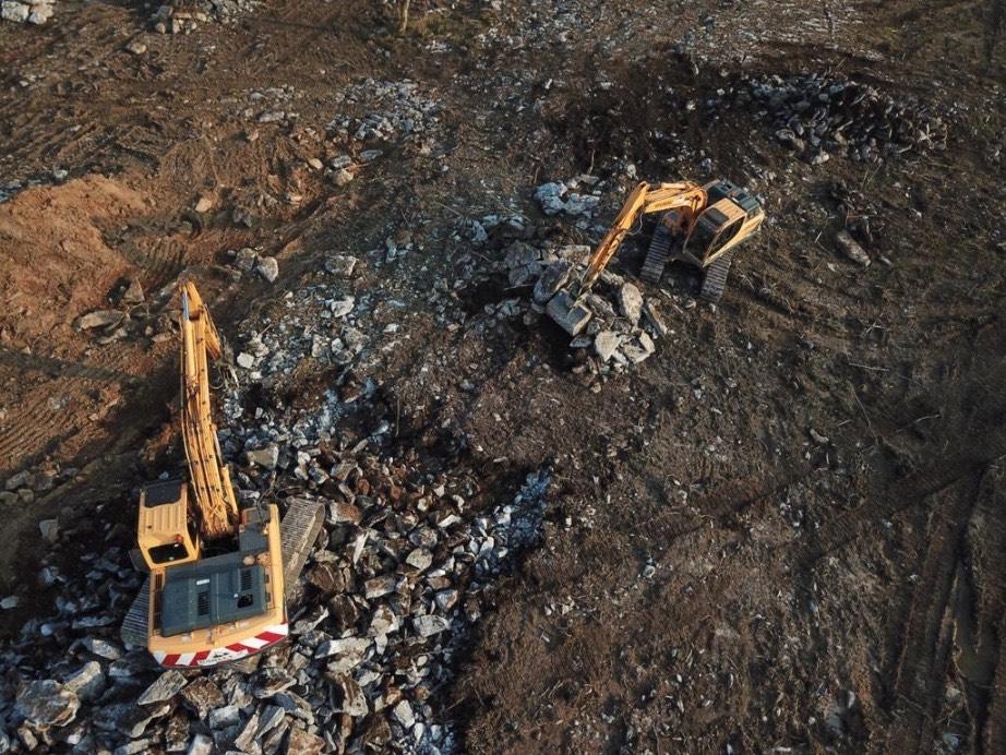 digger, digging, plant hire services