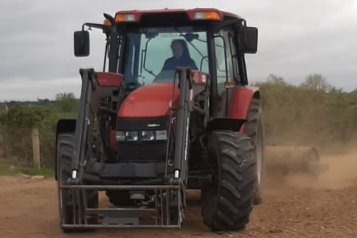 Elaine Kennedy, beef farming, tractor girls, tractors,