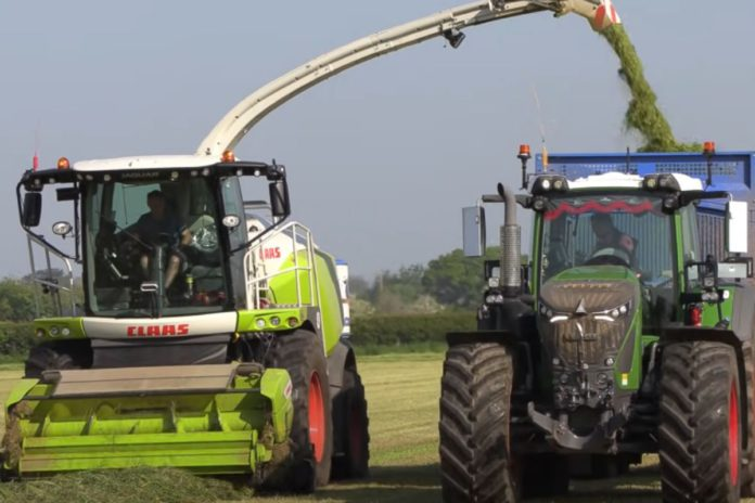 George Mogridge Contracting, tractor videos, agricultural contracting,