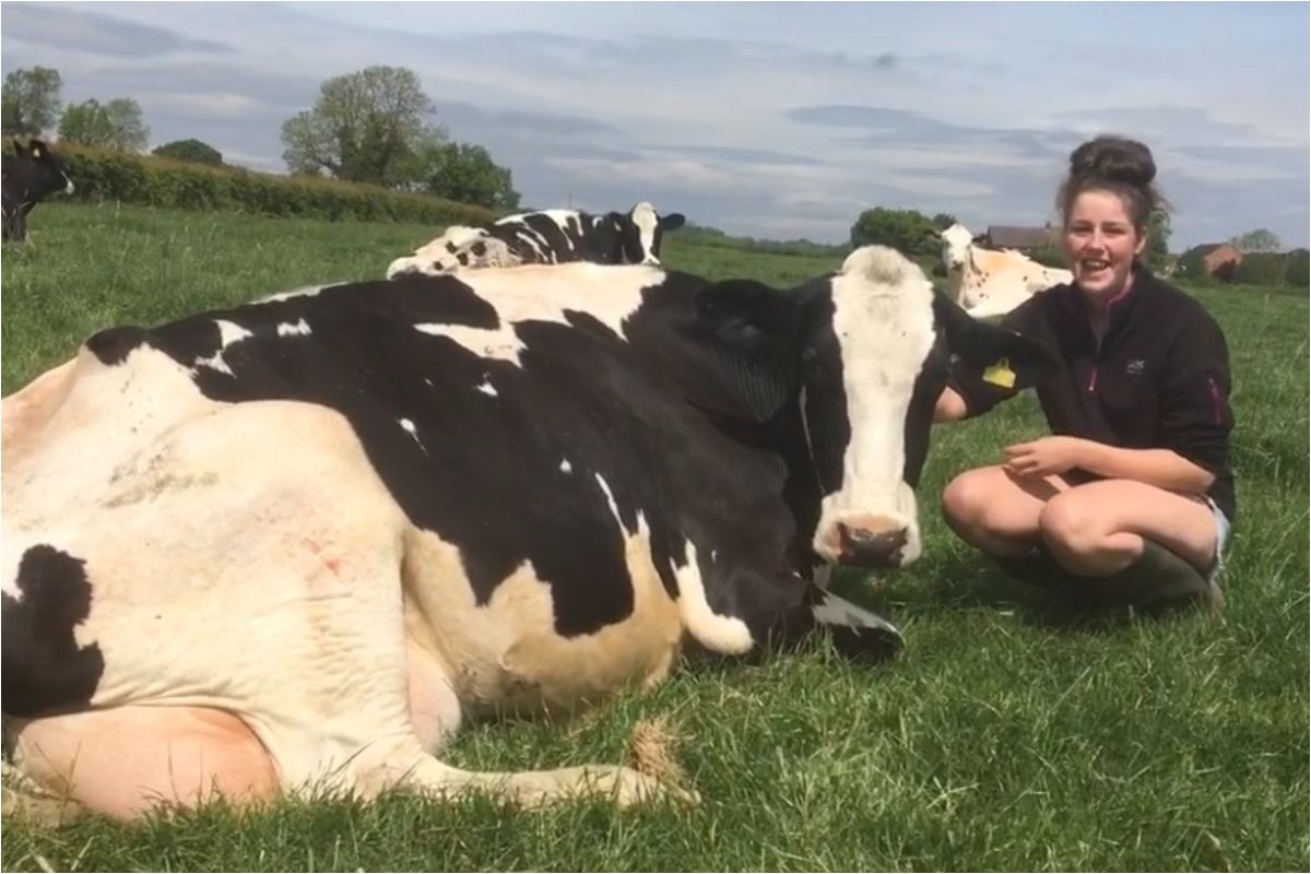 farm girls, women in farming, women in agriculture,