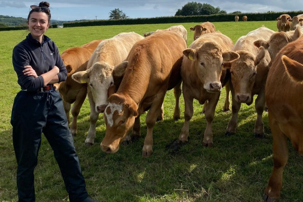new grad vet, Ireland's Vets, veterinary medicine, farm girls, women in ag,