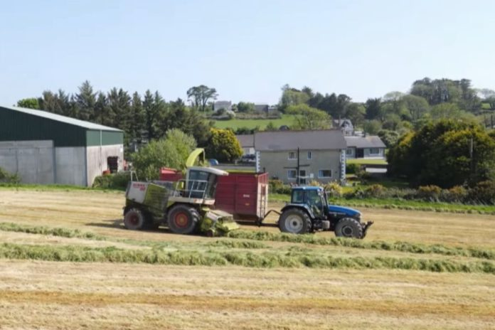 tractor videos, agricultural contracting,