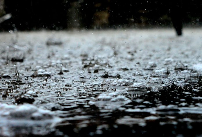 Met Éireann has issued a status yellow rain and thunderstorm warning for Ireland. The alert is effective from 9 am this morning (Wednesday, September 8th) until 12 pm on Thursday, September 9th.
